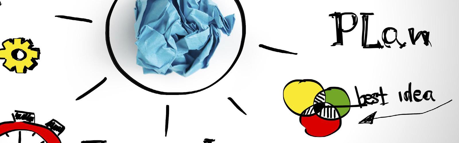 Das Bild ist eine Skizze. Im Zentrum ist eine Glühbirne als Symbol für Ideen zu sehen. In dieser Glühbirne liegt ein zerknülltes Stück Papier.